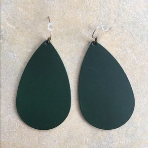 Nickel and suede DISC emerald leather earrings